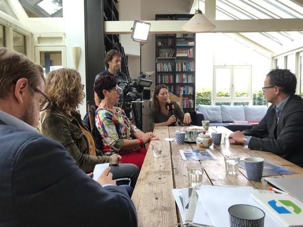 Interview bij bewoners door Omroep Brabant