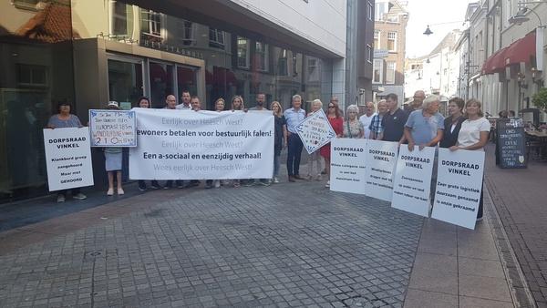 Protest voor het bestuurscentrum Den Bosch
